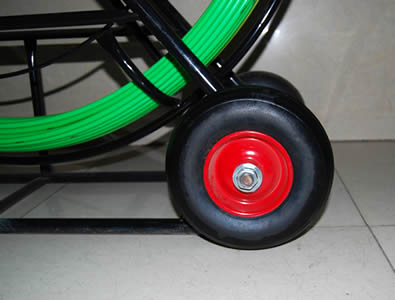 iron wheels set on the duct rodder, with bearing in the center and three rivets fixed on each wheel.